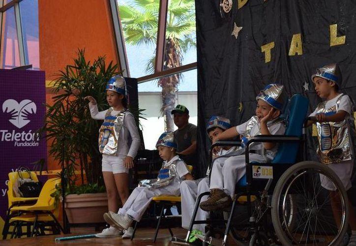 Pacientes del Crit Yucatán demostraron lo que han aprendido en deportes, actividades culturales, etc. (Foto cortesía del Gobierno de Yucatán)