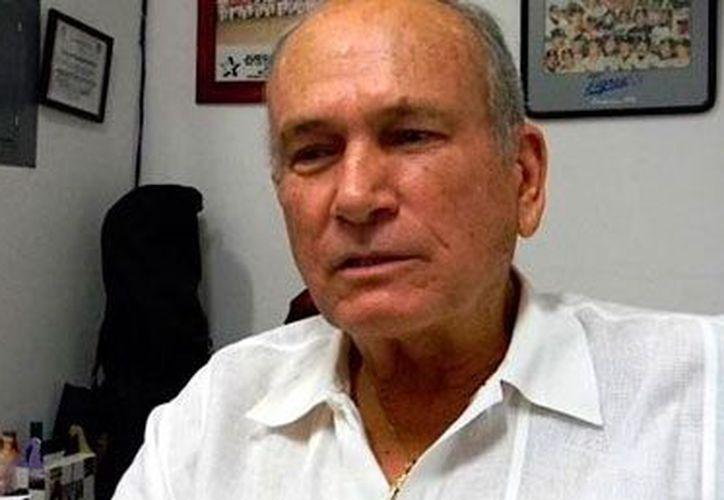Cuauhtémoc Rodríguez Meza durante el segundo día de reuniones en la asamblea de la LMB. (Redacción/SIPSE)