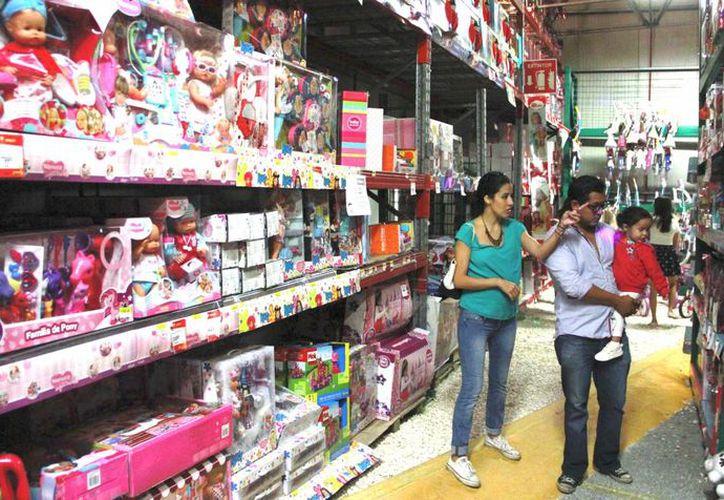 Los costos de los juguetes más solicitados sobrepasan los 200 pesos, tanto para niñas como para niños. (Jesús Tijerina/SIPSE)