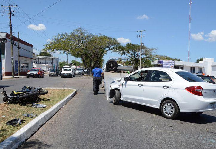 El accidente tuvo lugar en la conflictiva Avenida Jacinto Canek. (Milenio Novedades)