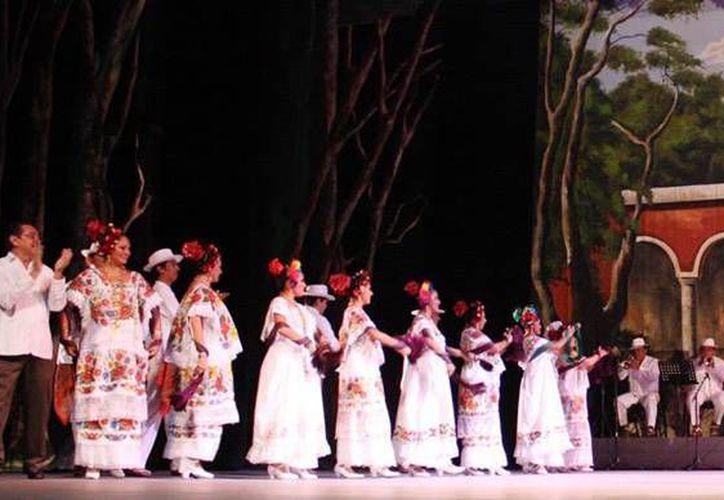 El Ballet Folclórico del Estado 'Alfredo Cortés Aguilar' se presenta este domingo en el teatro José Peón Contreras en punto de las 20:00 horas. La entrada es libre. (Facebook: Culturayucatan)