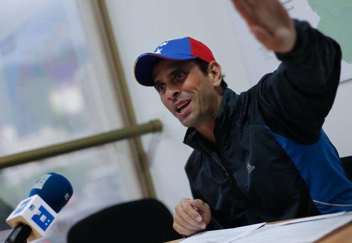 Capriles ha acusado reiteradamente en los últimos días a Maduro de mentir por el manejo de la información sobre el presidente de Venezuela. (EFE)