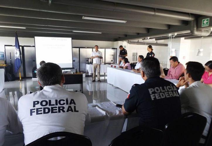 La Policía Federal informó que Playa del Carmen y Cancún son destinos recurrentes para bandas de clonadores de tarjetas bancarias. (Daniel Pacheco/SIPSE)