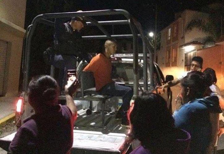 Vecinos de Ixmiquilpan amenazaron con quitar la vida al ladrón que fue sorprendido 'con las manos en la masa'. (Excélsior)