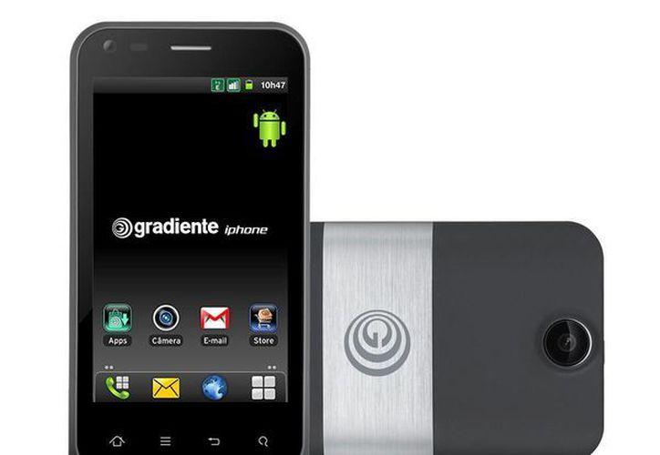"""Gradiente registró la marca Iphone para uno de sus teléfonos en 2000 y en 2012 lanzó el smartphone """"G Gradiente Iphone"""". (gradiente.com.br)"""
