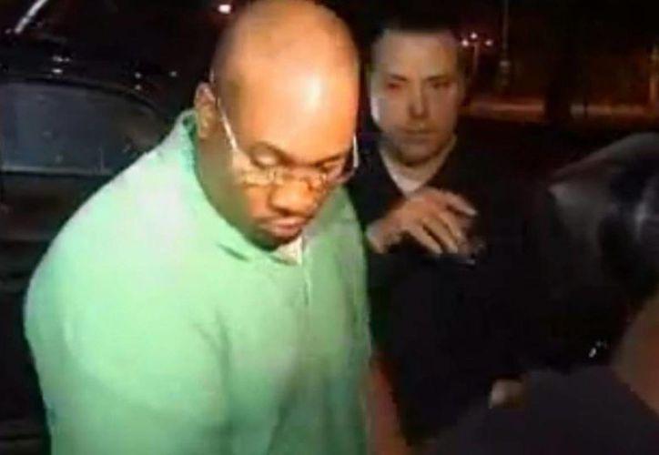 Al ver que su víctima enfureció, Michael Anthony Brown se ofreció a pagar su compra en el supermercado. (nydailynews.com)