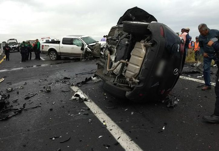 Se registró un fuerte accidente sobre la carretera federal Xalapa-Veracruz. (Twitter)