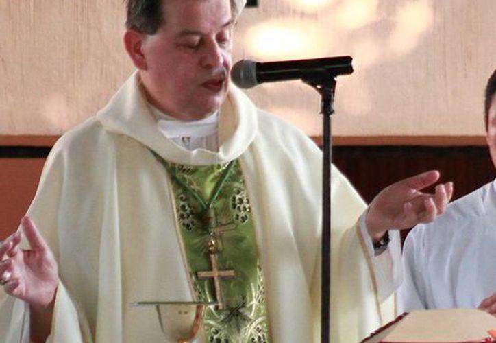 Mons. Gustavo Rodríguez Vega recién llegó de Sao Paulo, Brasil, donde participó en el II Congreso internacional de doctrina social de la Iglesia. (Milenio Novedades)