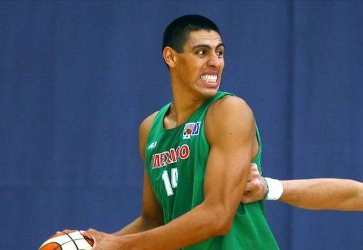 Ayón seguirá jugando en la NBA, pero con un tercer equipo. (Agencias/Archivo)