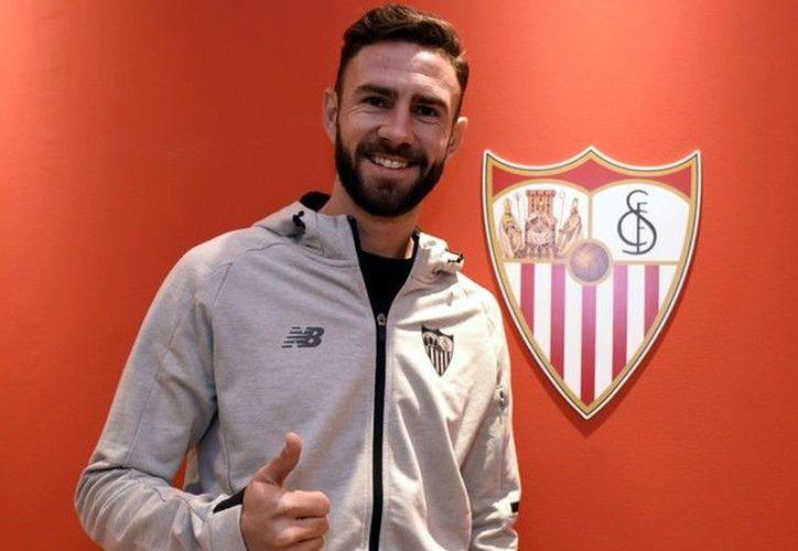 Miguel Layún llega al Sevilla para aportar. (@SevillaFC)