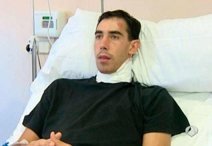 El torero Saúl Jiménez Fortes se recupera en un hospital de Salamanca, España, tras la grave jornada que sufrió en la corrida del domingo pasado. (antena3)
