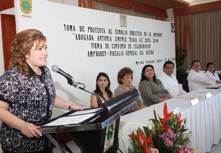 La fiscal Celia Rivas se sumó al reconocimiento de la Amprodey y de la presidenta saliente Linda Lizbeth Ramírez. (SIPSE)