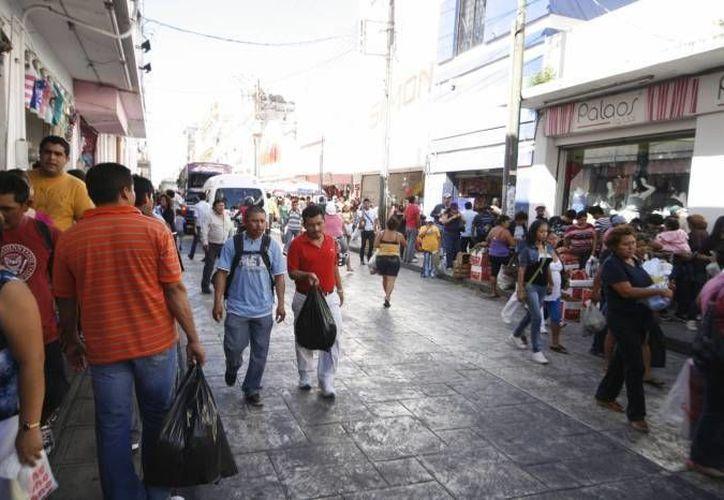 El propósito de la campaña 'Ven al centro y gana' es reactivar el comercio en el centro de Mérida. (Milenio Novedades)