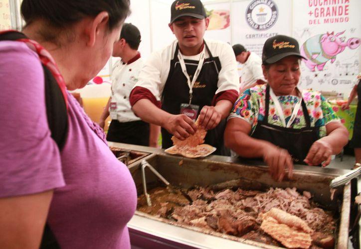 La Semana de Yucatán en México es una oportunidad para que los capitalinos disfruten de los olores, sabores e incluso sonidos de la tierra del Mayab. (Jorge Acosta/SIPSE)
