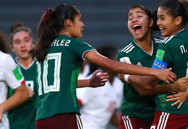 México dominó gran parte del partido, pero no pudo hacer el gol que le diera la tranquilidad en el duelo. (López Dóriga)