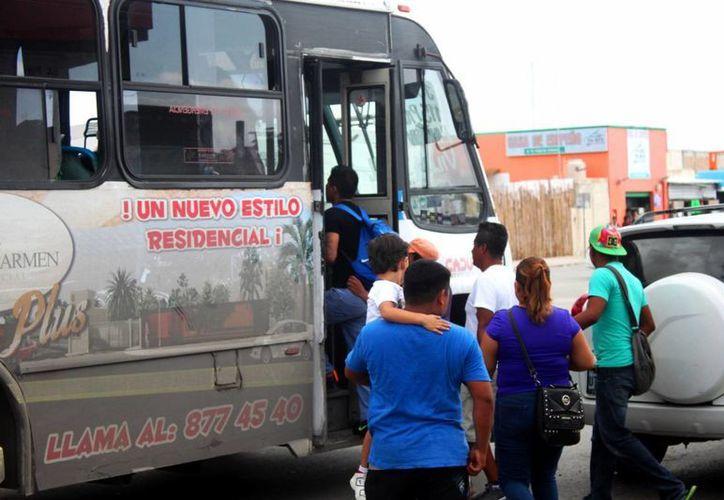 Desde la mitad de semana se instalaron rutas fijas para dar servicio a los habitantes de dicha zona. (Daniel Pacheco/SIPSE)
