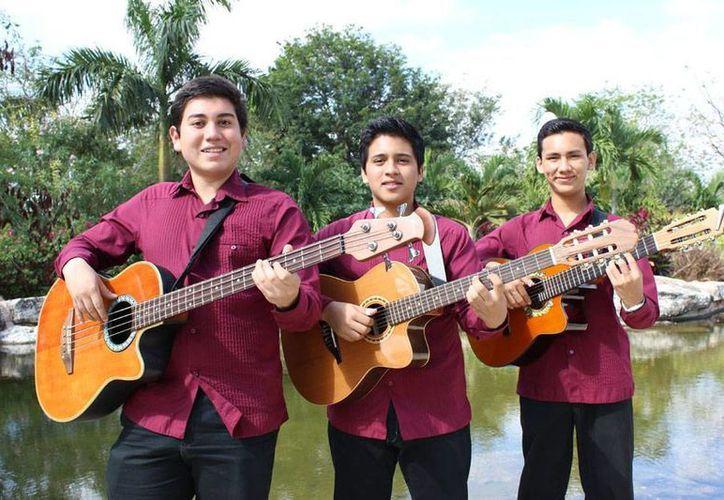 """El trío 'Semblanzas', integrado por yucatecos, llevará la música de trova hasta Jalisco, en el Encuentro Infantil de Músicas Regionales de México """"Alas por la tradición"""". (Oficial)"""