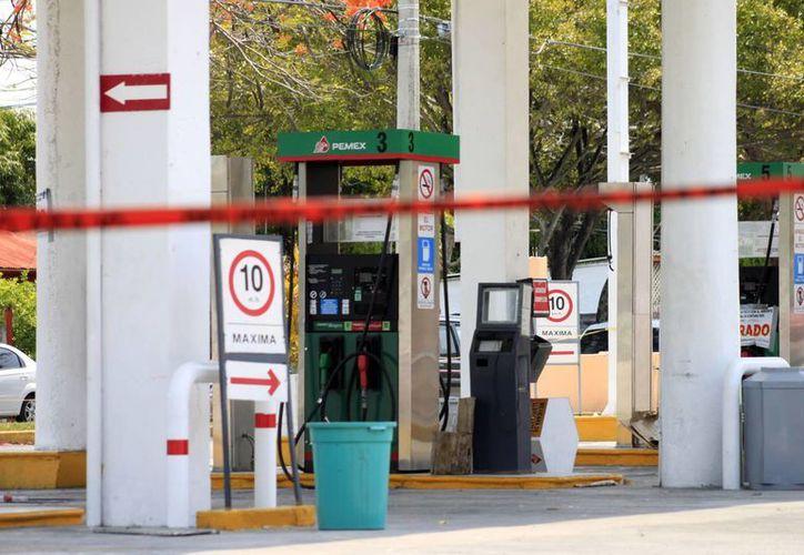 La Profepa estima concluir con los estudios de caracterización para determinar la fuente de la fuga de combustible. (Harold Alcocer/SIPSE)