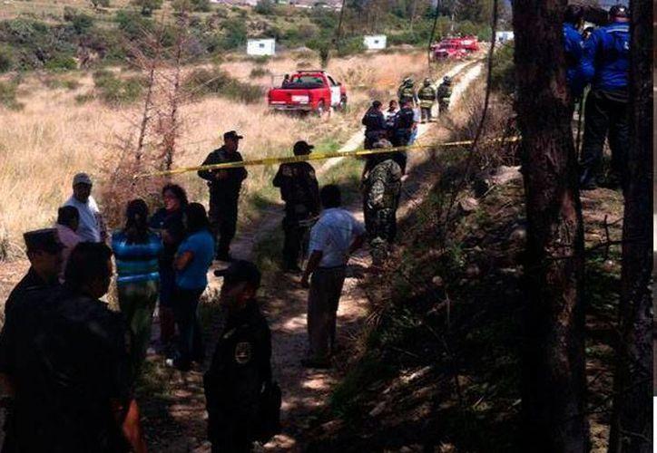 La explosión de pirotecnia ocurrió en un taller en los Ejidos de Santa Inés, Texcoco, Estado de México hasta donde llegaron los cuerpos de rescate. (excelsior.com.mx)