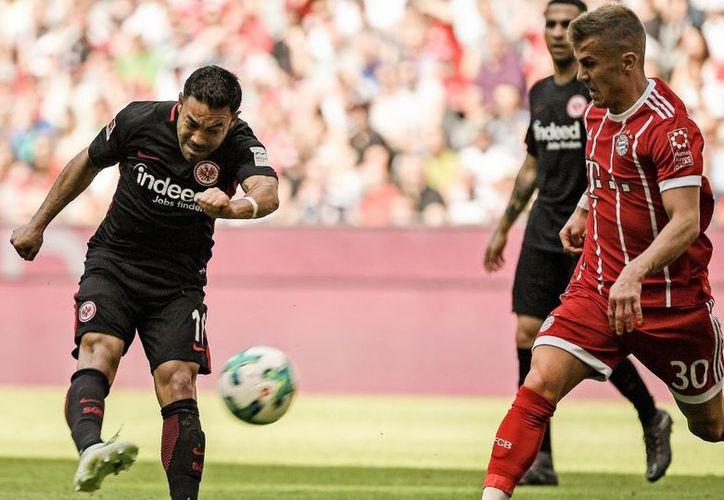El Bayern se dio el lujo de debutar a tres jugadores. (Club Frankfurt)
