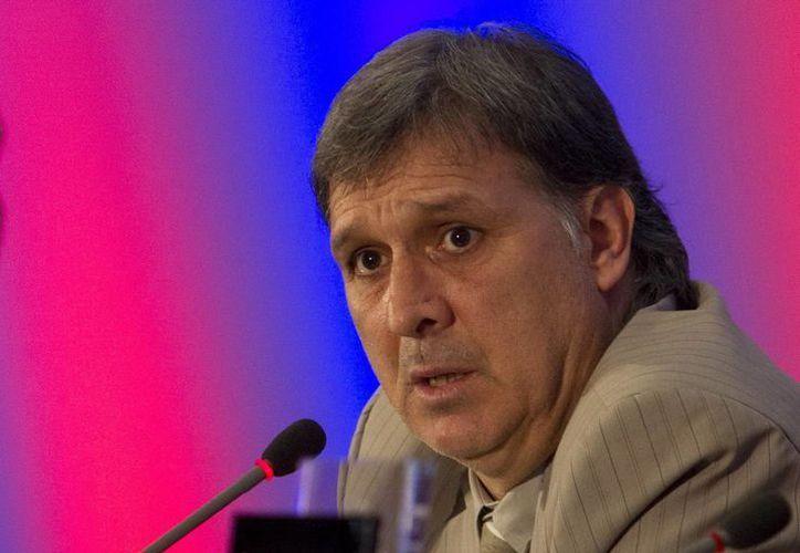 Cruyff manifestó su desconfianza hacia el argentino Gerardo Martino, nuevo estratega del Barça. (Archivo Notimex)