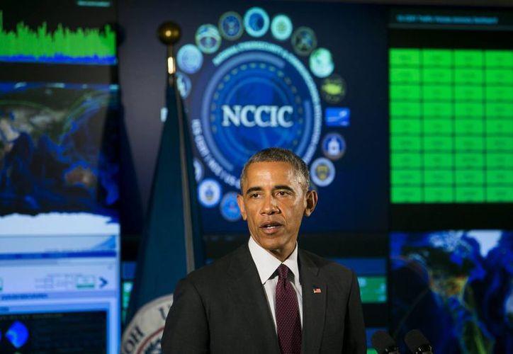 Obama se reunirá con expertos del internet para analizar cómo mejorar la preparación de EU ante amenazas cibernéticas. (EFE/Archivo)