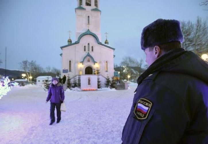 Un ruso identificado como Oleg Belov habría asesinado a sus seis hijos, madre y esposa en una ciudad de Rusia.  (Archivo agencias)
