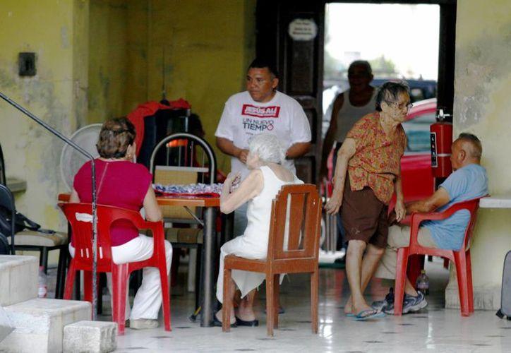 Los cursos que se ofrecen a los cuidadores es para tener una mejor preparación. Imagen de un asilo de ancianos en el centro de Mérida.  (Milenio Novedades)