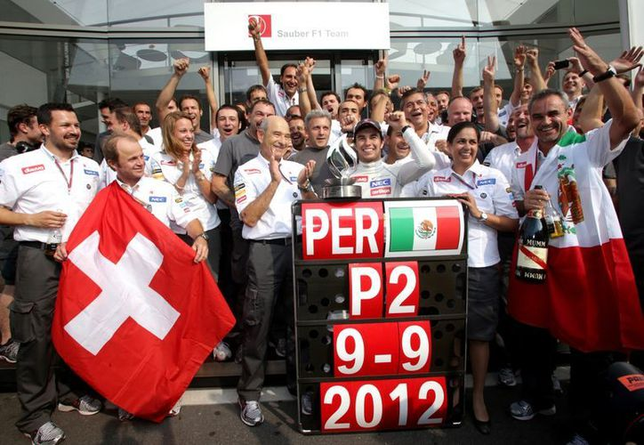 Sergio Pérez quiere cambiar los podios del año pasado por victorias en su nueva escudería. (Foto: Agencias)
