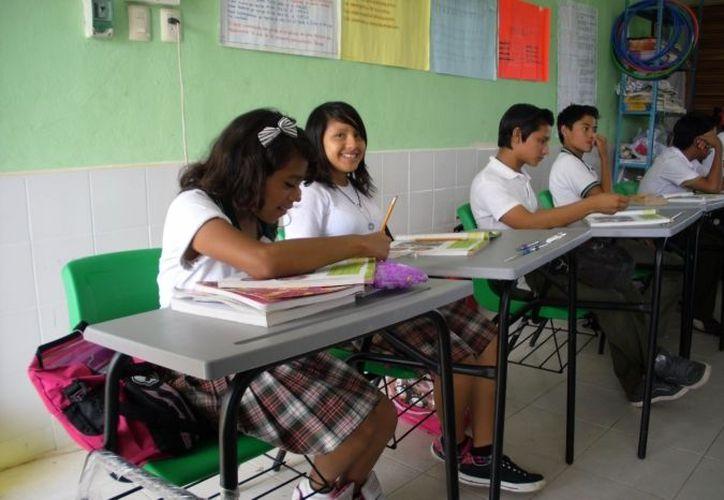La reforma educativa considera aumentar el número de escuelas de tiempo completo. (Archivo SIPSE)