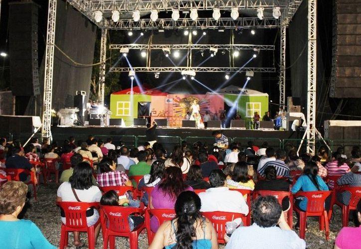 """Los artistas se presentaron por última ocasión en el escenario de la edición """"Exposur 2012"""". (Jorge Carrillo/SIPSE)"""