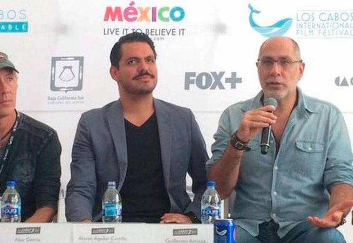 Guillermo Arriaga, tercero de la derecha, presentó 'Hablar con dioses', una serie de cortometrajes en los que varios directores muestran su punto de vista sobre la religión, en el marco del Festival Internacional de Cine de Los Cabos. (Milenio Digital)
