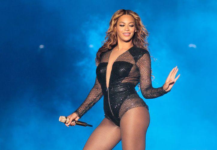 Beyoncé, muy poderosas en el negocio de la música. (sopitas.com)