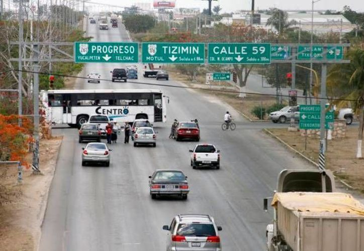 La delegación Yucatán de la SCT informó ayer que las obras de infraestructura consideradas para impulsar este año van conforme a lo programado. (Milenio Novedades)