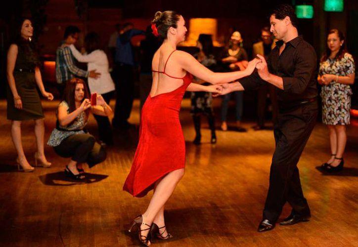 Los concursantes pueden bailar salsa, chachacha, rock & roll o cumbia, entre otros ritmos. (Foto: Contexto/Internet)