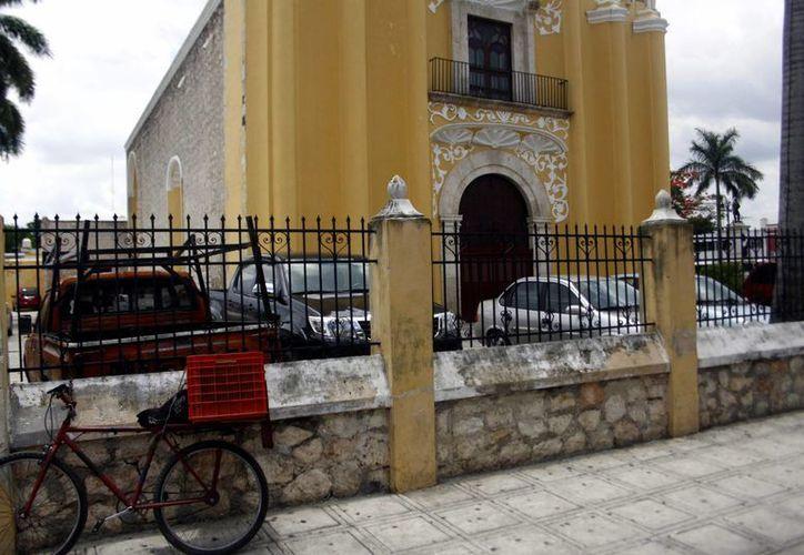 El mantenimiento de las iglesias del centro aumenta debido a su antigüedad. (SIPSE)