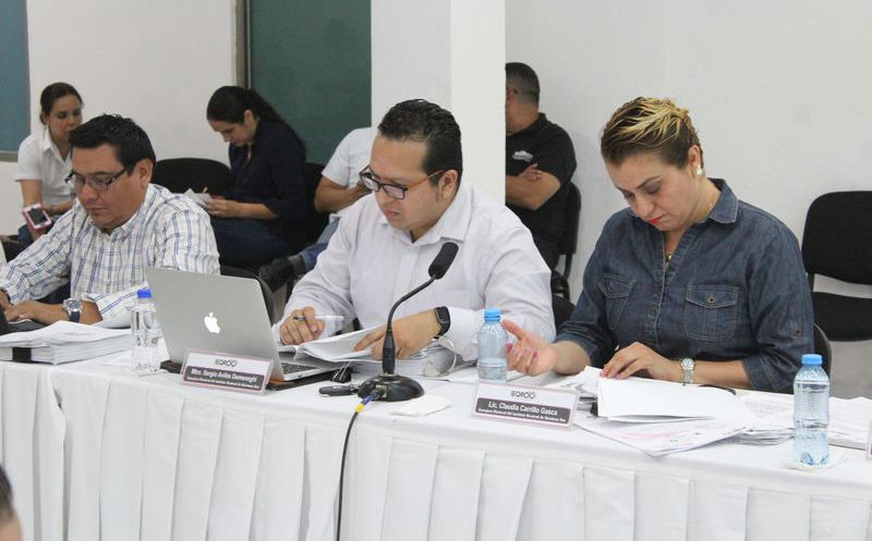 Consejeros del Ieqroo otorgaron un plazo de 48 horas para su retiro total. (Joel Zamora/SIPSE)