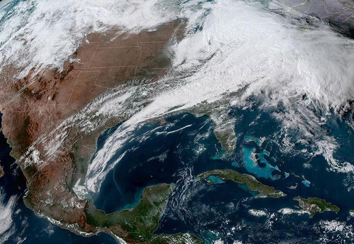 Esta 'bomba ciclónica' afectaría a la costa atlántica estadounidense. (RT)