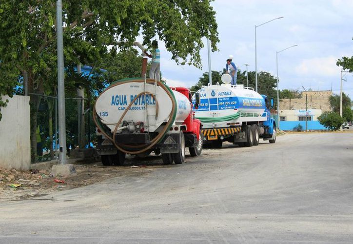 La Cofepris dejó sin operación a cinco pipas de agua por falta de higiene, en Playa del Carmen y Tulum. (Octavio Martínez/SIPSE)