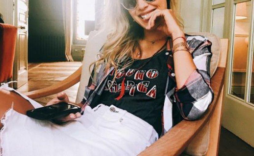 La imagen muestra a la hija de Luis Miguel con unos abdominales increíblemente marcados. (Instagram)