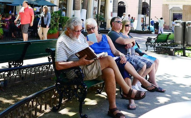 Según Cetur, para este cierre de año el turismo 'premium' aumentará el ingreso de divisas, el tiempo de estadía y la distribución de recursos para los prestadores de servicios yucatecos. (Archivo/ Milenio Novedades)