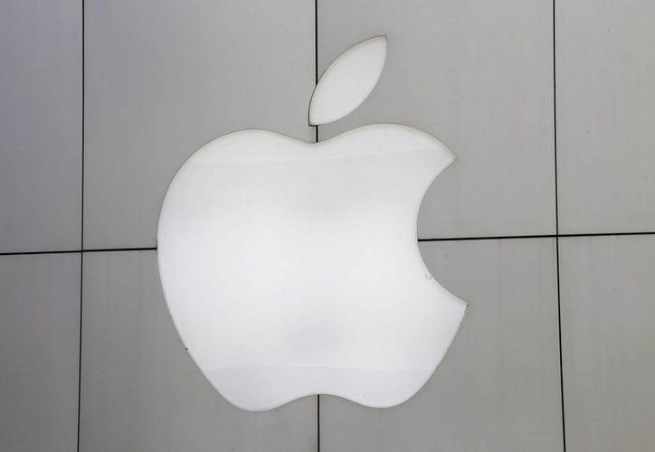 Un juez de Brookling, en EU, dijo que no se puede obligar a Apple a colaborar en una investigación judicial por narcotráfico. (EFE)