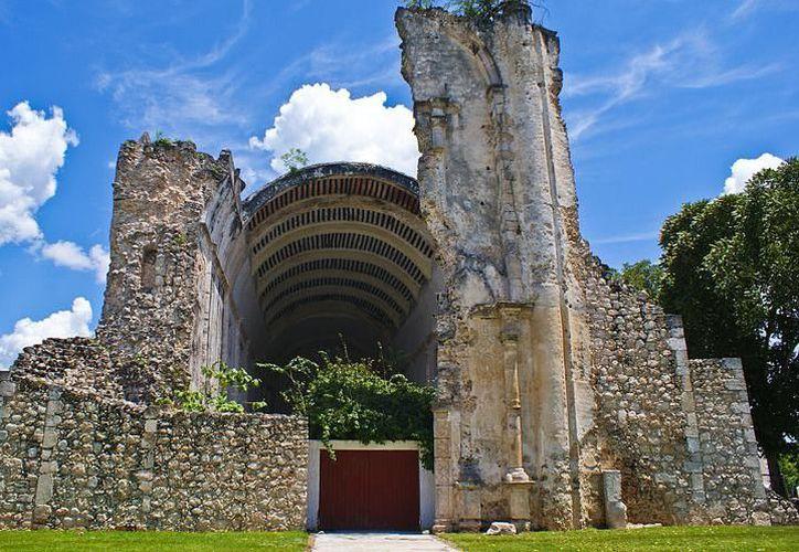 Se lograron acuerdos para llevar a grupos de turistas de 50 persona a la zona maya de Tihosuco.  (Redacción/SIPSE)