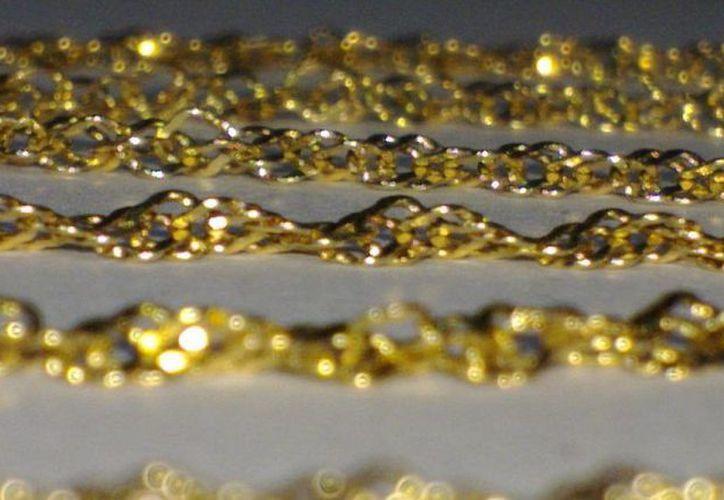 Los tres clientes que llevaron a Silverio prendas de oro para reparar se inconformaron por la estafa. (mercadolibre.com)
