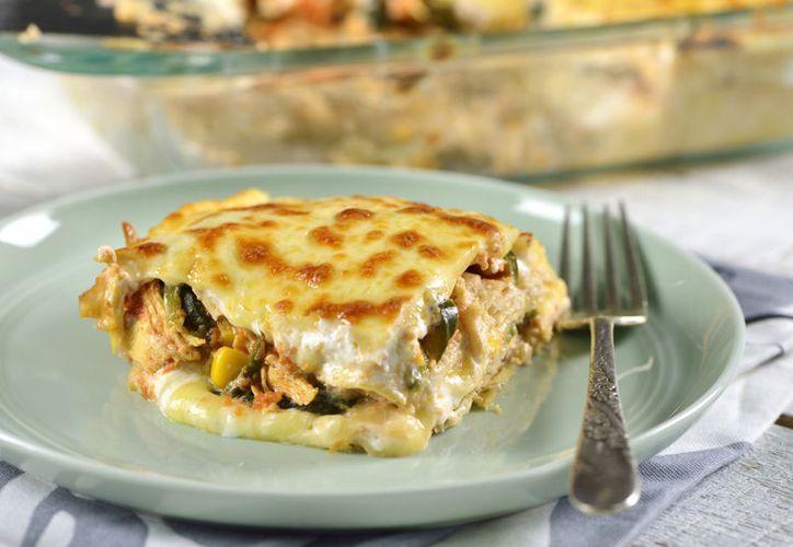 Al ser un plato muy completo, no hará falta servir con complementos.  (Kiwilimón)