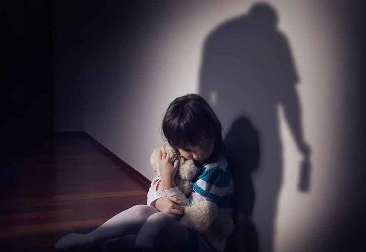 Una menor de edad tuvo un bebé resultado de los abusos que sufrió de parte de su padre, en Indiana, Estados Unidos. (Internet)