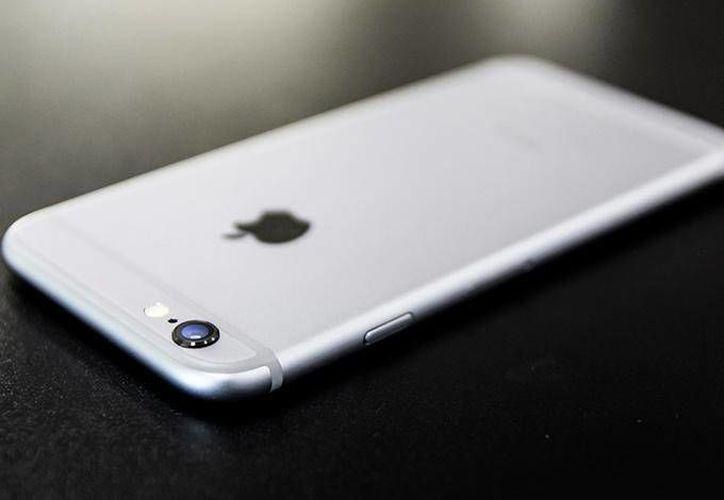 Los fanáticos del icónico teléfono iPhone tendrán que esperar todavía un rato más para descubrir todas las sorpresas que vienen para celebrar estos diez años. (Foto: Pixabay)