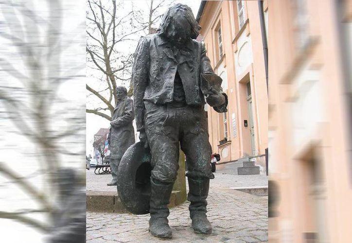 Monumento en memoria de Kaspar Hausser, el llamado 'hombre sin identidad'. (Jorge Moreno/SIPSE)