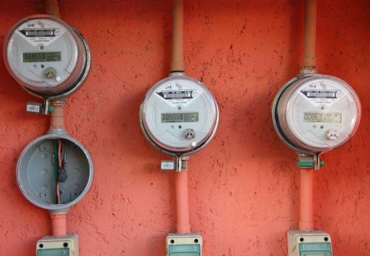 Se desconoce por qué dañaron los medidores de energía eléctrica. (Redacción/SIPSE)