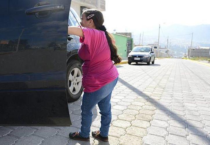 La ecuatoriana Lugartda Valarezo, que padece el síndrome de Laron, enfermedad detectada en 1950 y que solo está presente en 350 personas. (RT)